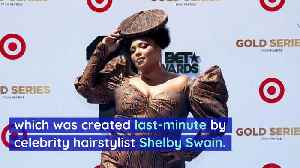Lizzo's Head-Piece Was 'Hand-Painted' an Hour Before BET Awards [Video]