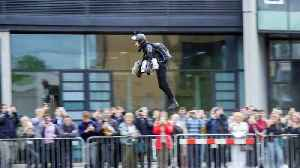 Student Breaks Record For Flying World's Fastest Jet Pack – Hitting Speeds Of 50mph [Video]