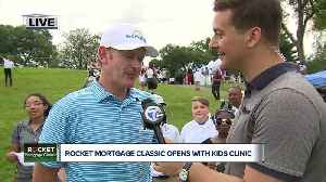 Brandt Snedeker leads Detroit kids clinic to open Rocket Mortgage Classic [Video]