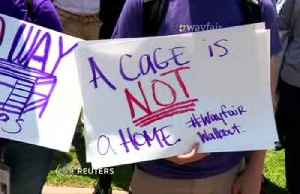 Wayfair workers walk out to protest U.S. migrant camps [Video]