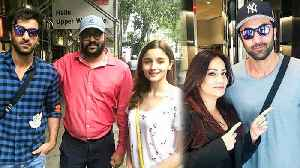 Alia Bhatt Ranbir Kapoor POSES With Fans In New York [Video]