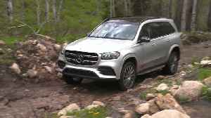 Mercedes-Benz GLS 580 4MATIC in Irridium silver Driving Video [Video]