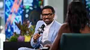 The Comedy of Mike Epps: Running Laps, Diarrhea Jokes & Impersonating Old People [Video]