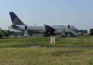United Flight Makes Emergency Landing at Newark Airport [Video]