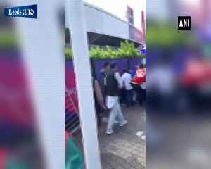 Clash breaks out between Afghanistan and Pakistan fans outside Headingly stadium [Video]
