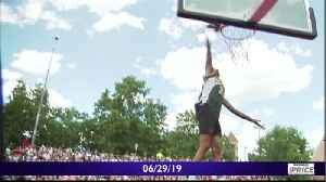 High flyers take the court for the Hoopfest dunk contest [Video]
