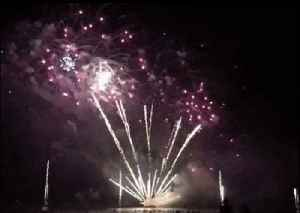 Brilliant Fireworks Light Up Sky For Northern Territory Day [Video]