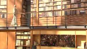 Lagerfeld successor brings demure librarians to Chanel catwalk [Video]