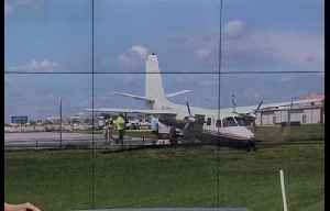 Small plane skids off runway at Boca Raton Airport, no one hurt [Video]