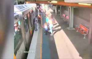 Australian boy falls between train and platform [Video]