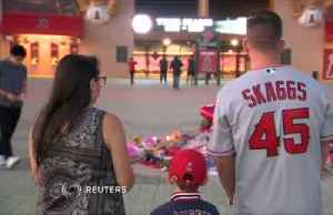 Fans, players mourn Angels pitcher Tyler Skaggs [Video]