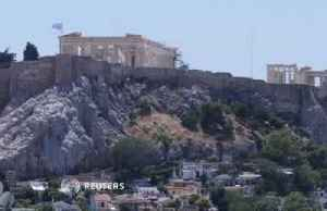 Acropolis briefly closes as Greece sizzles [Video]