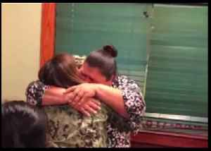 US Soldier Embraced Her Mother During Surprise Homecoming [Video]
