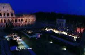 Amid ancient Roman ruins, Fendi remembers designer Lagerfeld [Video]