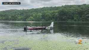 Plane Slides Off Runway Into Water In New Jersey [Video]