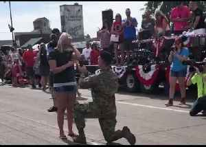 Feel the Fireworks: US Service Member Proposes During Fourth of July Parade in Minnesota [Video]