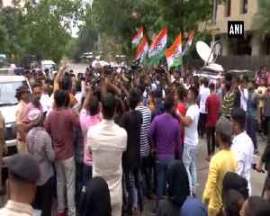News video: Karnataka Political Crisis Mumbai Congress workers detained for protesting outsde hotel