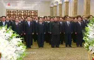 North Korea bows in respect of founder's death [Video]