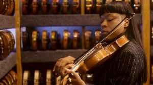 This Self-Taught Violinist Has an Ear for the Experimental [Video]