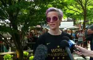 News video: Rapinoe accepts Schumer invitation, will not go to White House