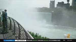 News video: Man Survives Plunge Over Niagara Falls