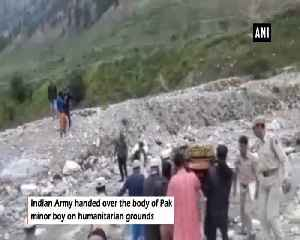 Indian Army returns Pak minor boys body on humanitarian grounds [Video]
