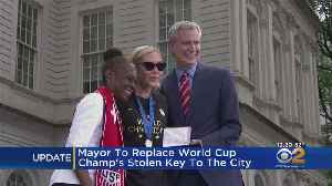 Mayor To Replace World Cup Champ Allie Long's Stolen Key To The City [Video]