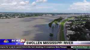 Mississippi River Swells and Threatens Louisiana Levees [Video]