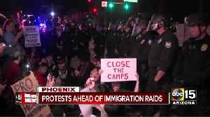 Lights of Liberty: Phoenix street in immigration protest [Video]