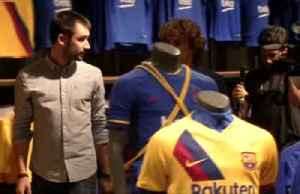 Griezmann visits Barca store ahead of unveiling [Video]