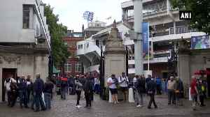 World Cup 2019 final: Cricket fans cheer England & New Zealand at Lord's [Video]