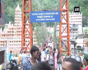 Iconic 'Lakshman Jhula' closes temporarily, locals oppose decision [Video]