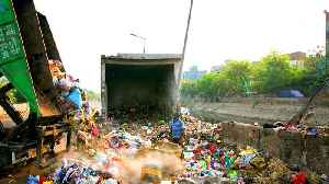 India's rubbish mountain may rise higher than Taj Mahal by 2020