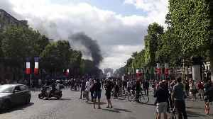 French riot police use tear gas to disperse Bastille Day protesters [Video]