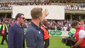 England cricketers celebrate with fans after World Cup triumph [Video]