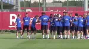 News video: Griezmann nutmegged twice in Barca training