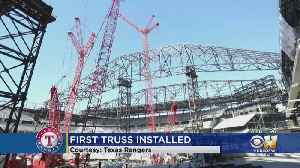 First Retractable Roof Truss Installed At Arlington's Globe Life Field [Video]