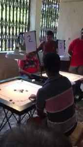 Man with No Arms Plays Board Game with Feet [Video]