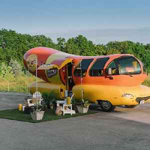 Oscar Mayer lists Wienermobile on Airbnb; very limited reservations available in Chicago [Video]