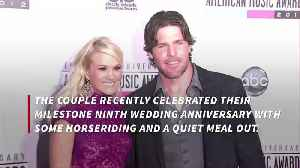 Carrie Underwood and Mike Fisher enjoy quiet anniversary [Video]