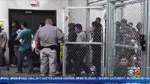 Lawmakers Inspect Mirgrant Hold Facilities [Video]