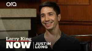 Justin Long talks 'digging deep' on his new podcast 'Life is Short' [Video]