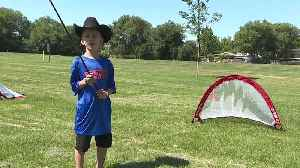 Garth Brooks foundation teaches kids golf at sports camp in Meridian [Video]
