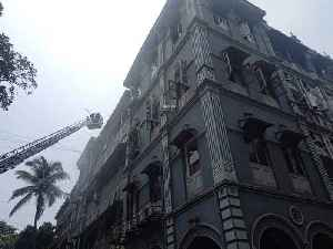 Fire breaks out at a 4-storey building in Mumbai [Video]
