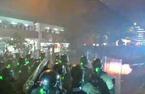 News video: Hong Kong police fire tear gas as protests descend into chaos