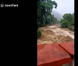 Heavy downpours cause torrential flooding in northern Vietnam [Video]