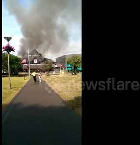 'You can feel the heat!' Blanket of smoke seen above Walthamstow shopping centre fire [Video]
