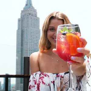 Mouthwatering appetizers are served at this luxury rooftop with views of the Empire State Building [Video]