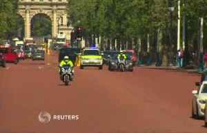 News video: Climate protesters block Johnson's visit to the queen