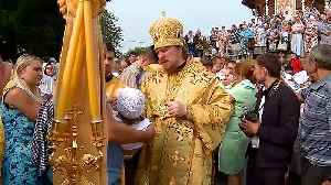 Mass baptisms performed in Russia to celebrate Christianity [Video]